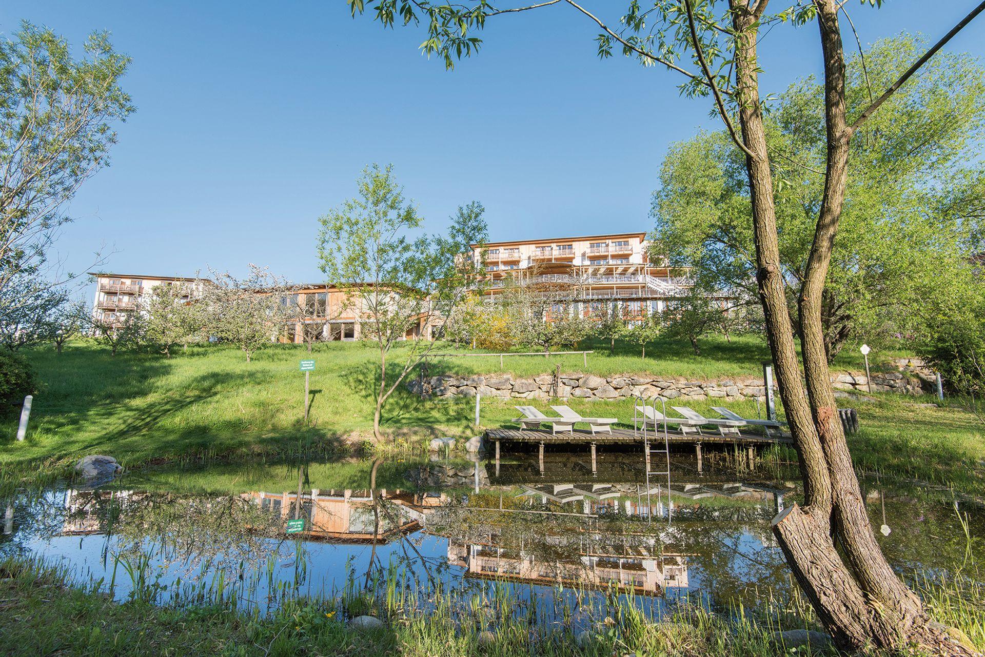 Biotop_im_Hotelgarten_Hotel_Retter